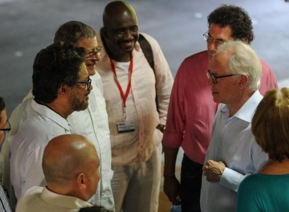 Las FARC piden cordura y seguridad para aplicar el Tratado.