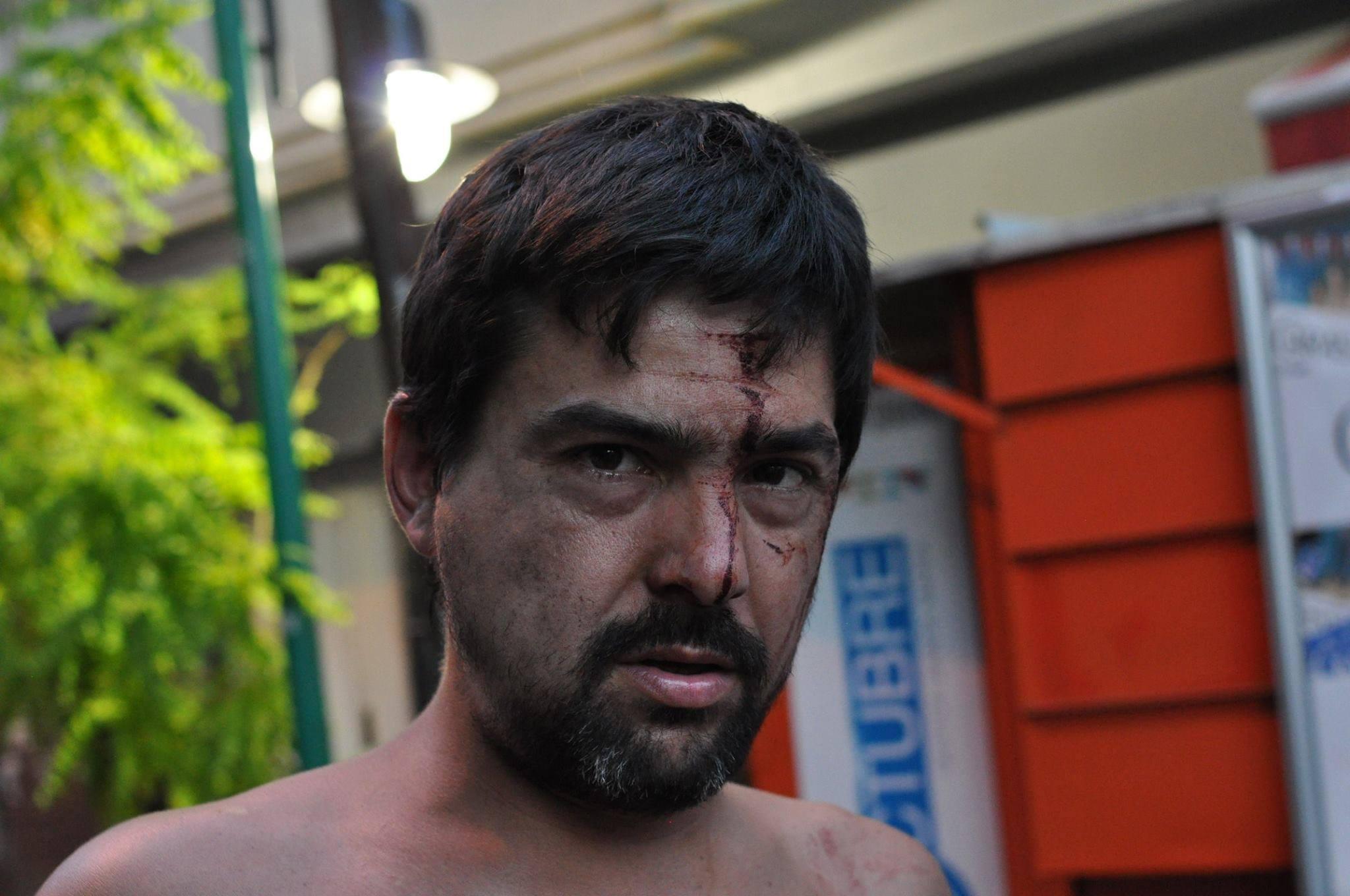 Vecinos y militantes fueron agredidos con total impunidad. Inclusive la Concejal Martínez fue agredida por una policía de apellido Paletta.