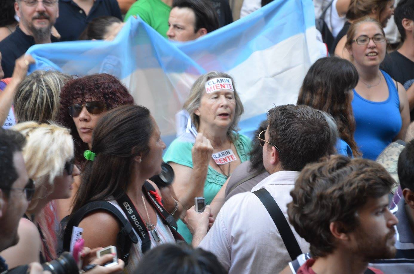 Clarín y Macri quieren violar la Ley 26.522