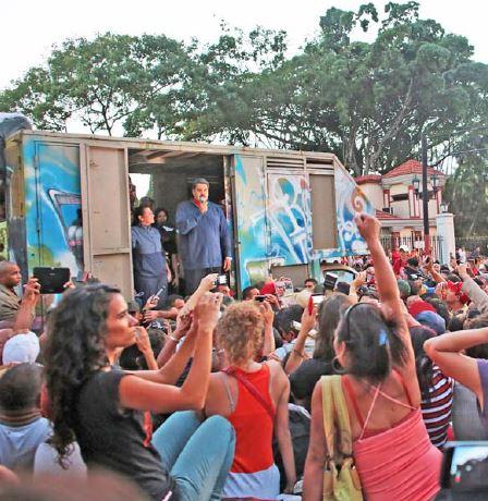 Maduro convocó al pueblo a volver a militar por la Revolución.