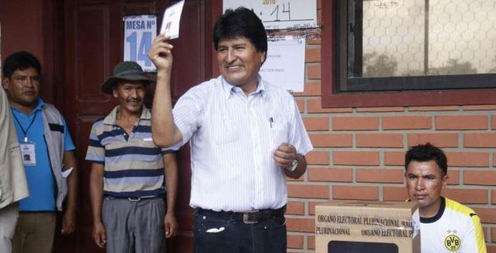 El Presidente Evo Morales pidió esperar al final del recuento de votos porque va muy lento.