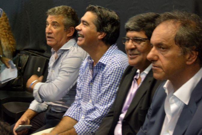 Sergio Urribarri, Jorge Capitanich junto a Daniel Scioli. FOTO: CAPITANICH