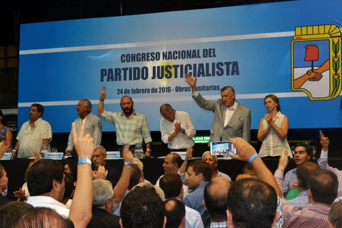 José Luis Gioja fue proclamado como el candidato de unidad que en lista única votarán los peronistas el 8 de mayo. FOTO: CAPITANICH.