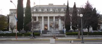 EDUCACIÓN – Régimen | Comenzó el recorte del macrismo a las universidades nacionales.