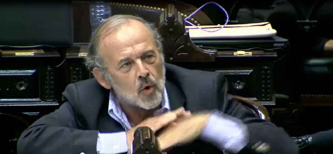 Amadeo, Diputado del ultraderechista PRO.