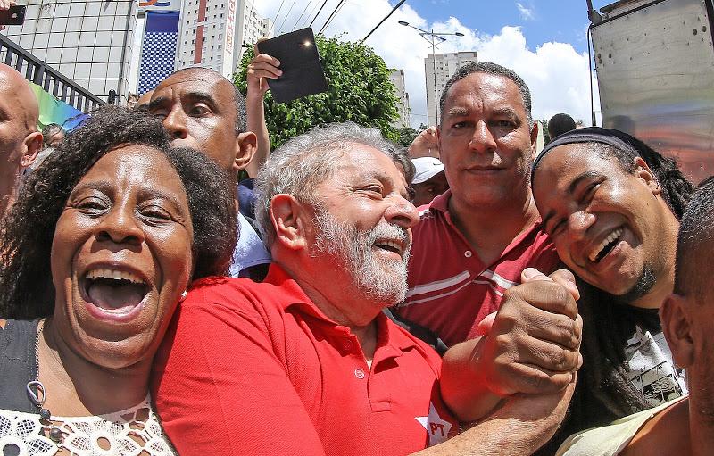 Ante el armado judicial de la derecha la población apoyó a Lula.