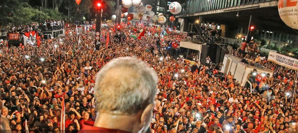 Ante los intentos del Poder Judicial y la derecha de dar un golpe de Estado, Lula volvió a la escena y despertó al PT.