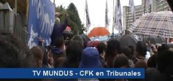 PERSECUCIÓN POLÍTICA – Régimen | Cristina Fernández pasó por Tribunales acompañada por importantes dirigentes.