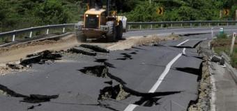 REGIÓN – Ecuador | Cerca de mil rescatistas y médicos de 20 países colaboran en Ecuador tras el terremoto
