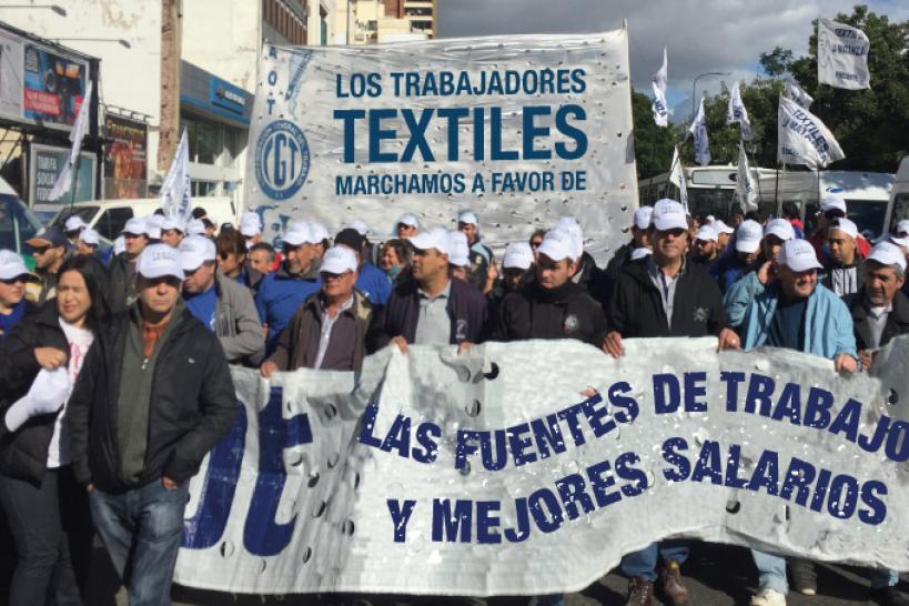 Alpargatas de Tucumán despidió a 70 trabajadores aún a pesar de haber firmado con Macri un acuerdo por 90 dias.