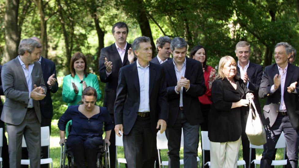 Macri y su gabinete son los representantes y dueños del poder concentrado.
