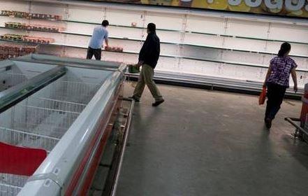 Los fabricantes prefieren exportar y los supermercados esconder. hasta que no esté a $ 90 el litro costará encontrarlo.