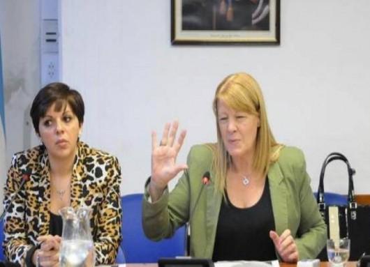 Stolbizer y su colabora tras la maniobra en la Inspección General de Justicia (IGJ) en el caso Ciccone. FOTO: CFK