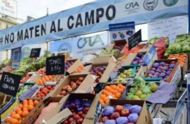 Los productores frutihortìcolas golpeados por la importación y la baja del consumo.