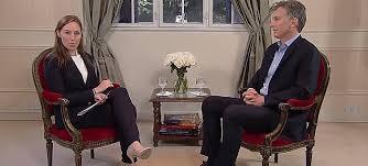 Macri con la periodista Karla Zabludovsky de la cadena norteamericana BuzzFeed.