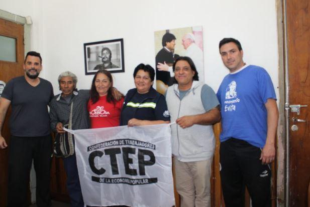 Delegación de la CTEP rumbo al Encuentro de Movimientos Sociales en Roma.