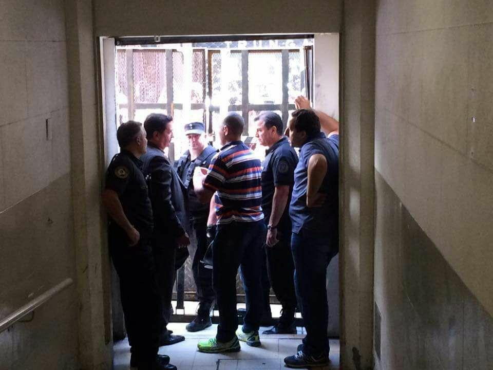 Nunca desde el retorno a la democracia la Policía entró a reprimir docentes en el Ministerio de Educación.