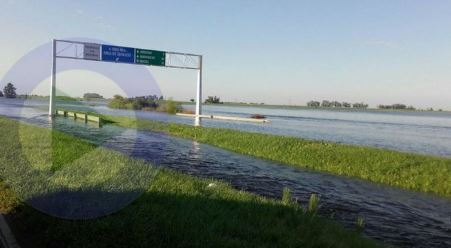 Las provncias de Santa Fé, Córdoba y Buenos Aires se ven castigadas por fuerte inundaciones.