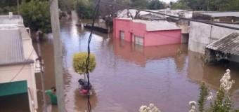BUENOS AIRES – Inundaciones | Reprimen por segunda vez a los inundados. Vidal de vacaciones en México.
