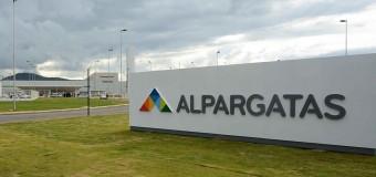 TRABAJADORES – Régimen | La fábrica de calzados Alpargatas cierra dos de sus plantas.