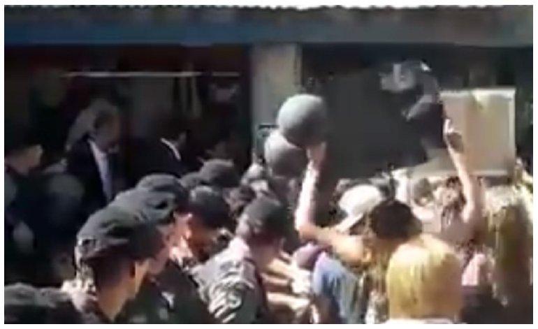 Fuerte repudio a la presencia de Macri en San Luis.
