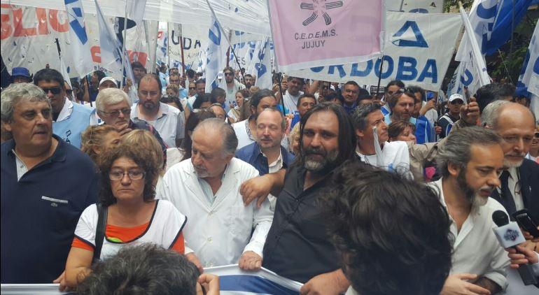 Todos los sindicatos nacionales de la docencia encabezaron la Marcha Federal de la Educación.