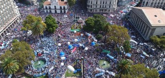 TRABAJADORES – Régimen | Casi medio millón de docentes ratificaron que la lucha continúa.