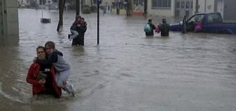 CORRUPCIÓN – Régimen | Supermercado de funcionario macrista aumentó 100 % los precios en medio del desastre de Comodoro Rivadavia.