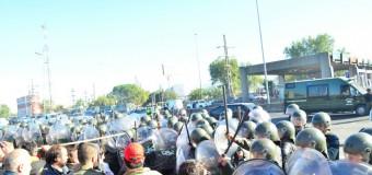 PARO GENERAL – Régimen | Comenzó la represión macrista en la Panamericana.
