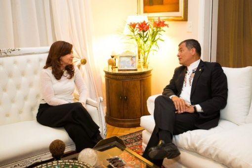 Cristina Fernàndez recibiò en su departamento de Monserrat al Presidente Rafael Correa en su ùltima visita oficial.