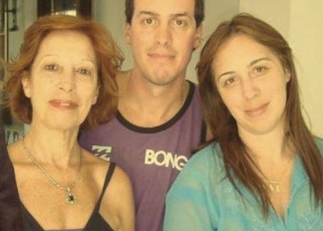 Norma Cascallares es sospechada de las estafas del ex Banco Mayo. En la foto junto a María Vidal.