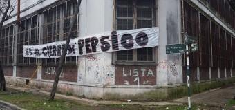 BUENOS AIRES – Trabajadores | Los empleados de PEPSICO resisten el desalojo.