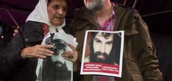 DESAPARECIDO – Régimen | Multitudinaria marcha en favor de la aparición con vida de Santiago Maldonado.