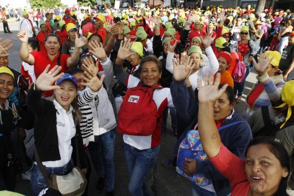 Los venezolanos celebran el comienzo de la Asamblea Nacional Constituyente. FOTO: ANDES