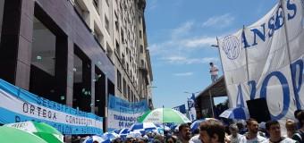 TRABAJADORES – Régimen | Macri echará a 20.000 trabajadores estatales cerca de las fiestas.