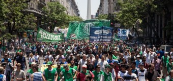 TRABAJADORES – Régimen | Contundente paro nacional de los trabajadores estatales.