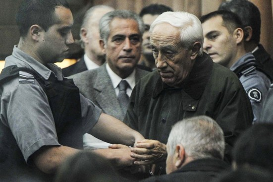 El sanguinario asesino Acosta podría quedar libre gracias a Macri.