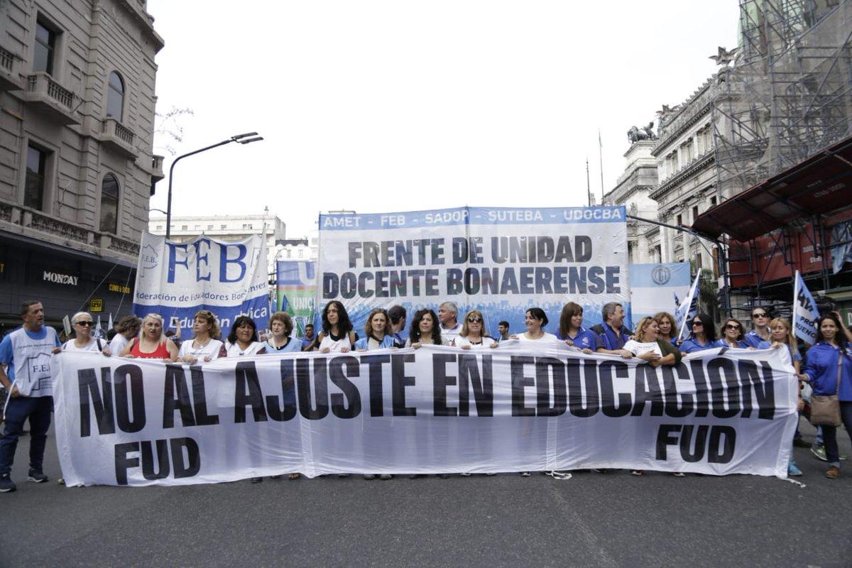 María Vidal se burla de los docentes.