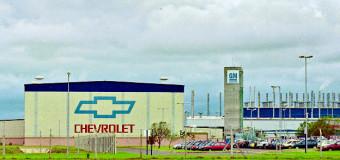 TRABAJADORES – Régimen | GM suspendió a 1000 trabajadores por cinco días.