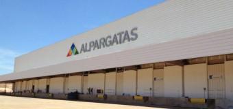 TRABAJADORES – Régimen | Alpargatas despidió a 75 trabajadores.