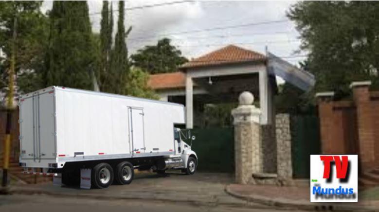 Reunión de todos los jerarcas del PRO y una sospechoso camión de mudanzas.