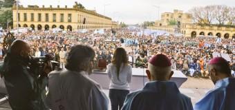 TRABAJADORES – Crisis | Multitudinaria marcha a Luján en contra del régimen macrista.