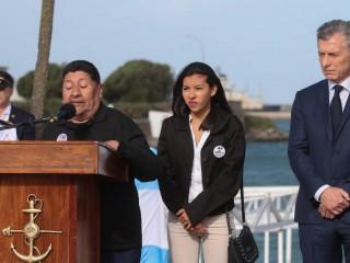 Los familiares lloran la incertidumbre y Macri ya sabía dónde estaba la nave.