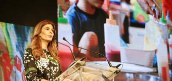 G-20 – Régimen | Papelón diplomático. El régimen argentino puso como portada del sitio oficial a Julia Awada.