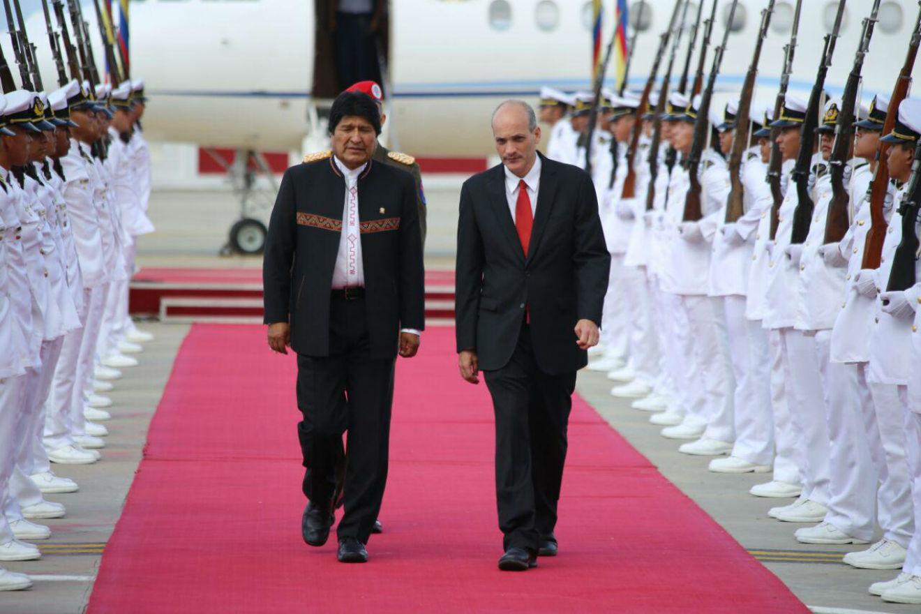 Evo Morales es uno de los presidentes más aclamados por los venezolanos en la Juramentación de Nicolás Maduro.