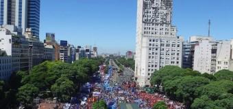TRABAJADORES – Régimen | Los movimientos sociales llenaron el centro porteño por el descontento social.