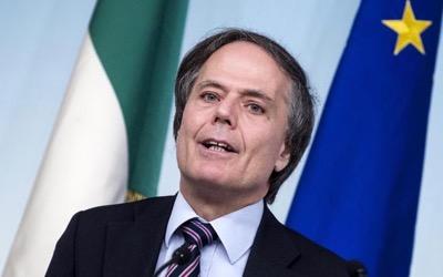 Italia_funcionario