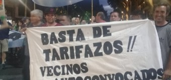 TARIFAZOS – Régimen | Más de 50 mil personas se manifestaron contra Macri en la Plaza de Mayo.