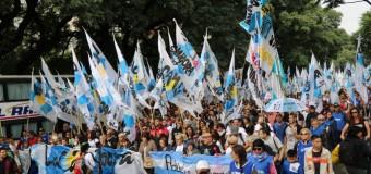 TRABAJADORES – Paro Nacional | Contundente paro nacional convocado por las CTA, la CFT y el FS. Multitudinario acto en Plaza de Mayo.