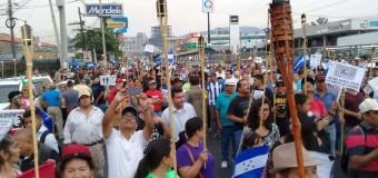 REGIÓN – Honduras | Fuertes manifestaciones en contra del régimen de Juan Orlando Hernández.